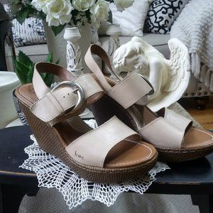 NWOB BORN Boho Leather SILVER Buckle WEDGES
